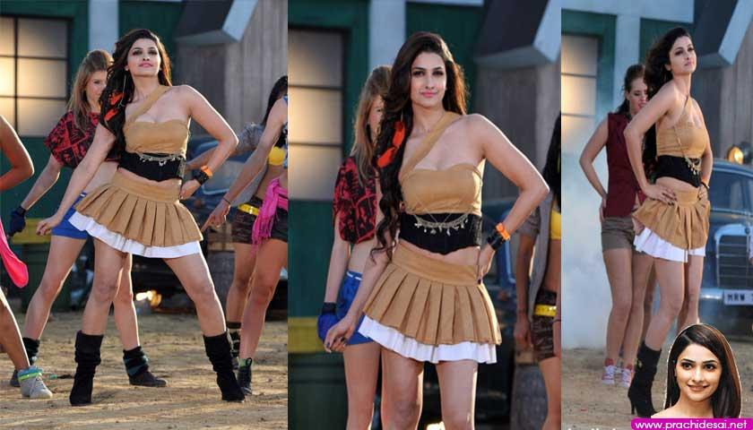 Prachi Desai I Me Aur Main Hot Photos