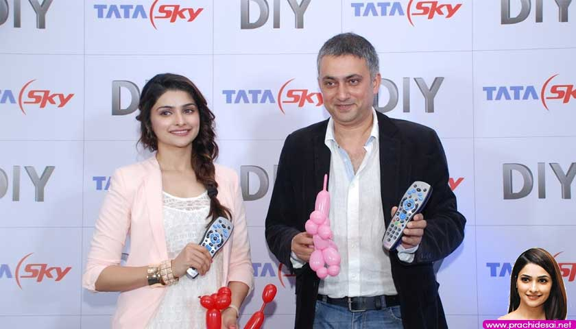 Prachi Desai masters the art of Balloon Sculpting