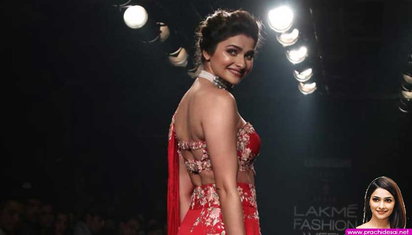 Prachi Desai walk the ramp at Lakme Fashion Week 2018